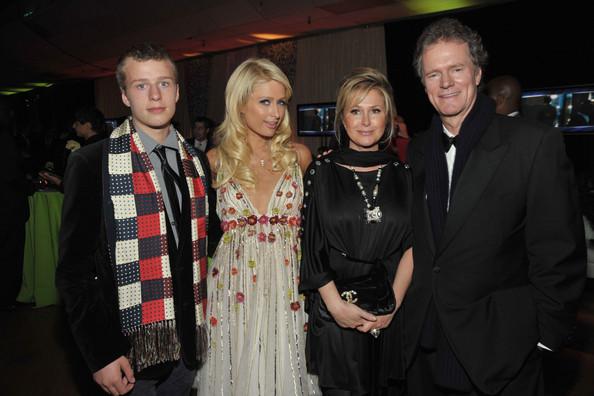 Paris+Hilton+Conrad+Hilton+35th+Annual+People+2zK5VBtEyjUl Trach Up   Gossip Girl x 100!