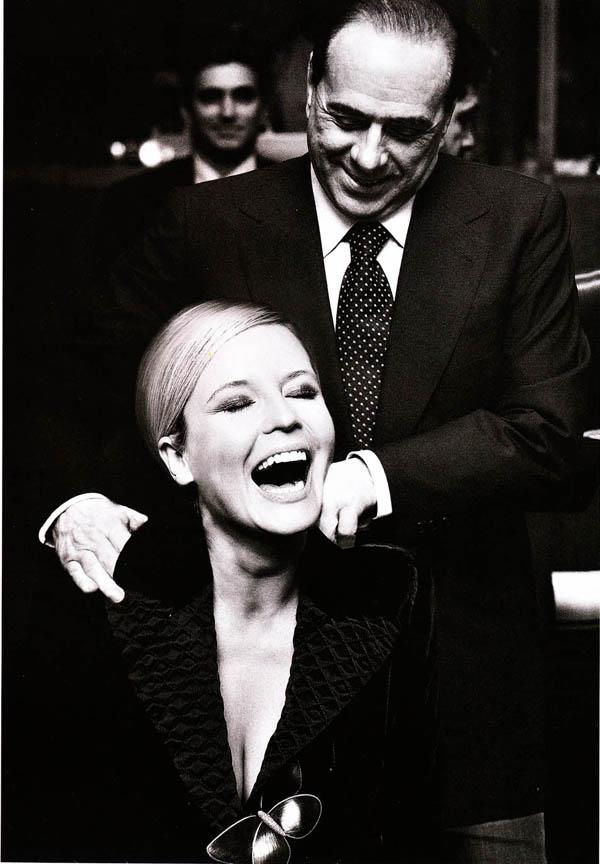 Silvio Berlusconi volim volim volim zene Stil moćnih ljudi: Nit' manjeg čoveka, nit' veće dreke