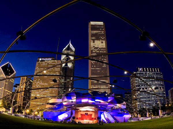 Slika 212 Trk na trg: Millennium Park, Čikago