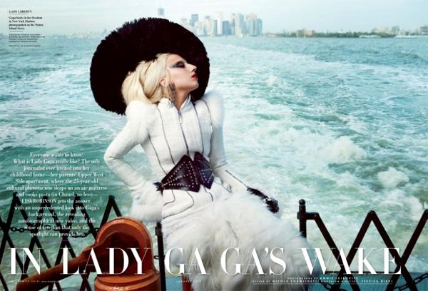 Slika 220 Lady Gaga bez dlake na... jeziku