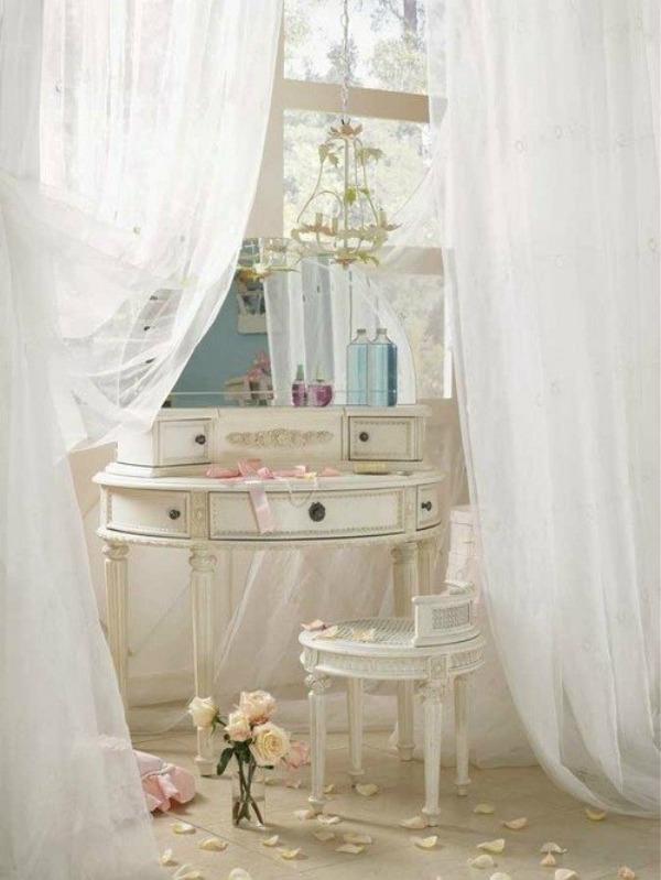 Slika 3 toaletni sto Devojačke sobe – romantični, vintage stil