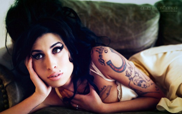 amy winehouse111 Trach Up   K Fed trudnica!