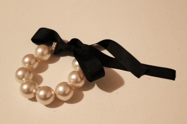 diy chunky pearl bracelet 32 Uradi sam: Narukvica od velikih bisera