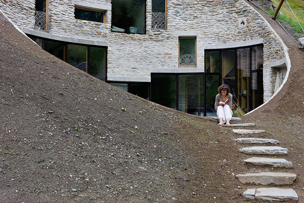 slika 19 Vila snova na obroncima Alpa