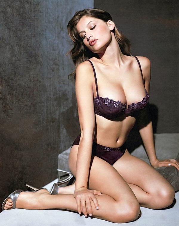11 Laetitia Casta: Zanosna, šarmantna i zavodljiva