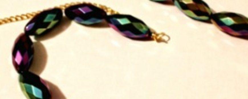 """Uradi sam: Prepravi """"staru"""" ogrlicu od perli"""