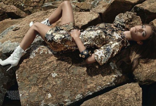 139 Zlatna groznica: Daria Pleggenkuhle za Harpers Bazaar UK