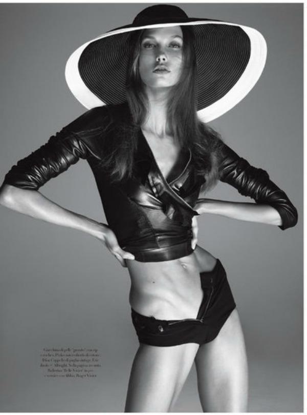 154 Vogue Italia: Zavodljiva Karli