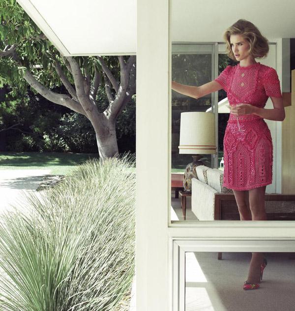 185 Dolina šezdesetih: Rosie Huntington Whiteley za Harper's Bazaar UK