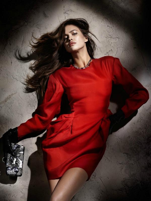 215 Zavodljivost crvene boje: Irina Shayk za Elle Spain