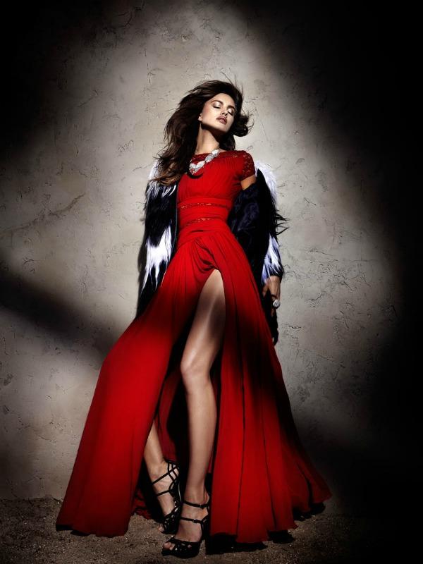 318 Zavodljivost crvene boje: Irina Shayk za Elle Spain