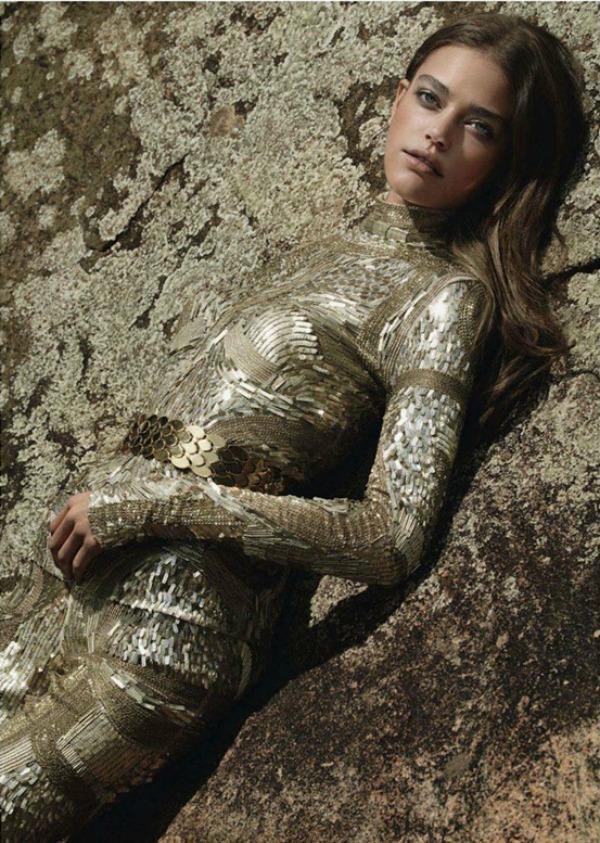 337 Zlatna groznica: Daria Pleggenkuhle za Harpers Bazaar UK