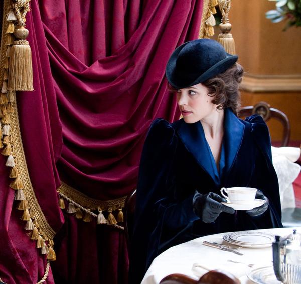 3 Izabel Adler jedina žena pred kojom je Holms poklekao Sherlock Holmes: A Game of Shadows