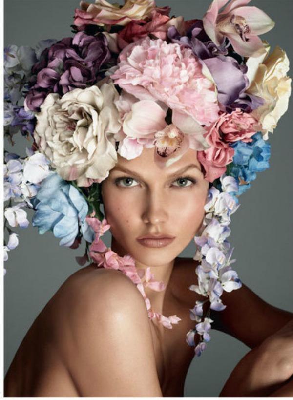 436 Vogue Italia: Zavodljiva Karli
