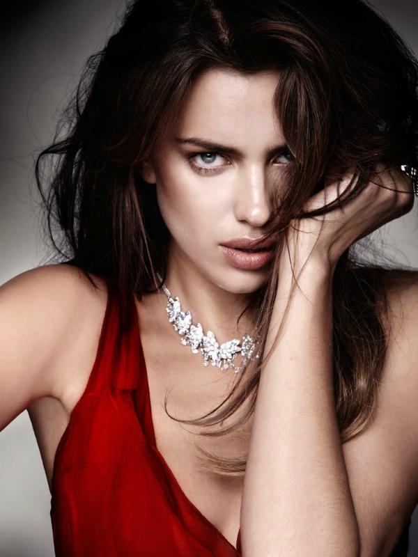73 Zavodljivost crvene boje: Irina Shayk za Elle Spain