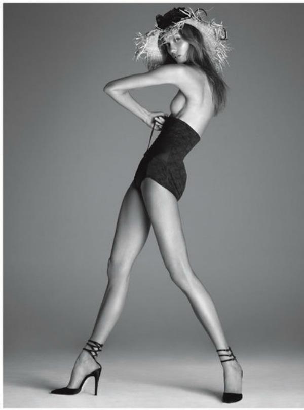 98 Vogue Italia: Zavodljiva Karli