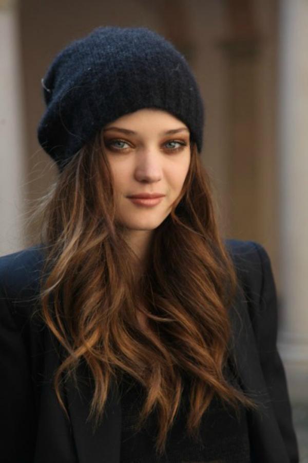 Izaberite frizuru koja vam se neće pokvariti kada izađete napolje1 Budite primećene