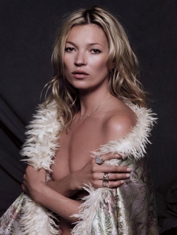 Ko kaze da je previse nakita imati ogrlicu i prstenje Kate Moss u Fred Jewelry kampanji