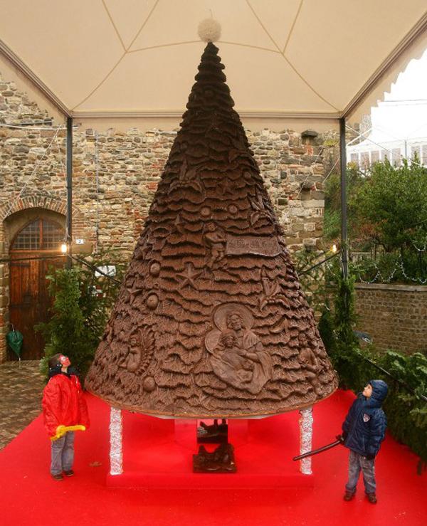 Slika11 Top 10 najneobičnijih božićnih jelki