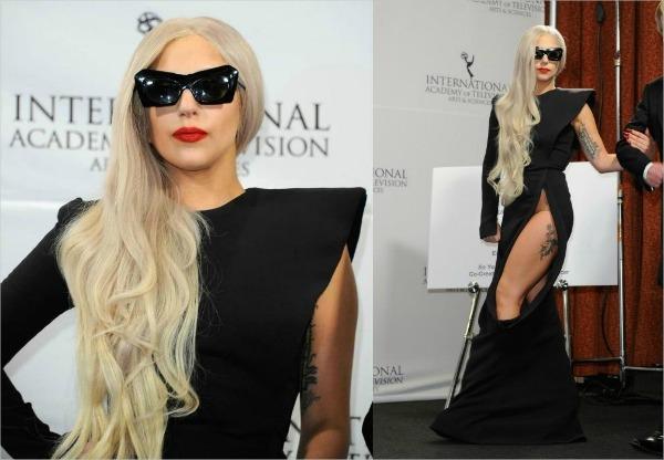 gaga Fashion Police: Slatke božićne haljine i jedna Lady Gaga!