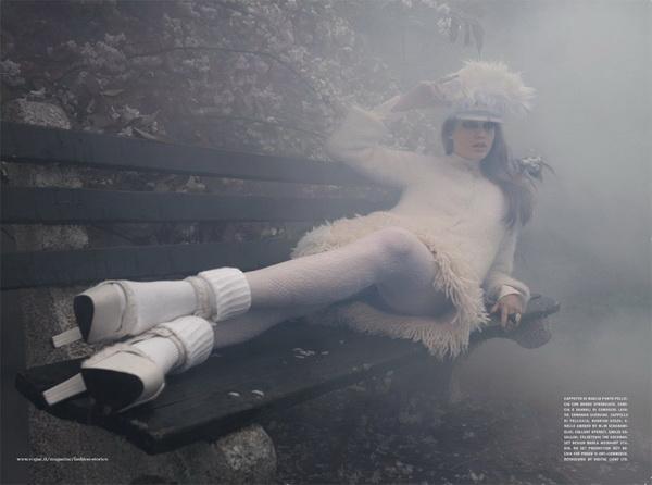 julia saner3 Julia Saner u zimskoj idili za italijanski Vogue