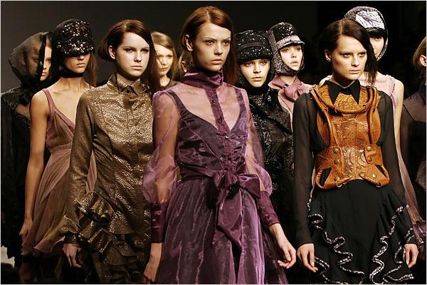 london fashion week nytimes Modni zalogaji: Kopola, Karl, London i dijamanti