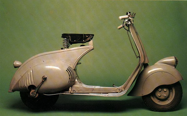 prva vespa La Moda Italiana: Hajde da uzmemo neki dobar... motor!