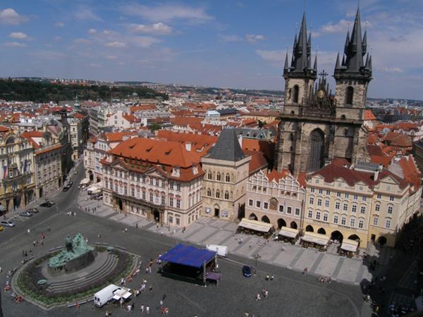 slika 18 Trk na trg: Staroměstské náměstí, Prag