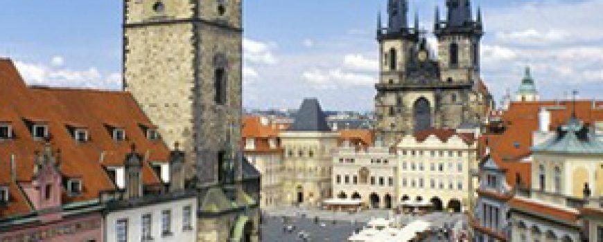 Trk na trg: Staroměstské náměstí, Prag