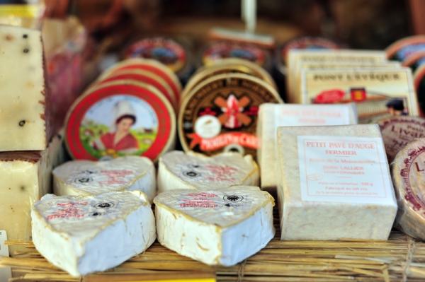 052 Klopajmo na ulici: U zemlji sira, jabuka i maslaca