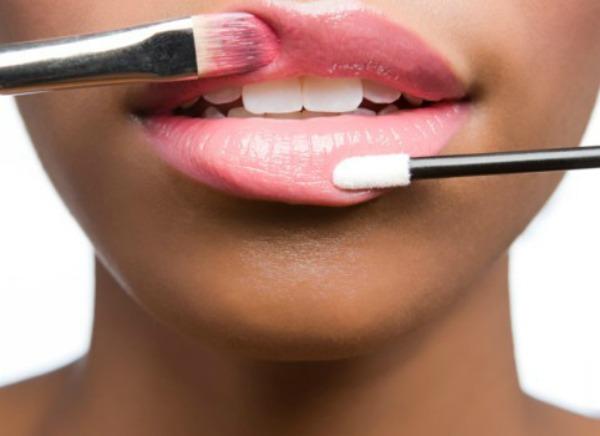 4.Za savrsenu boju vasih usana napravie vas sjaj Kako bi bilo lepo kad bismo imale ovo...