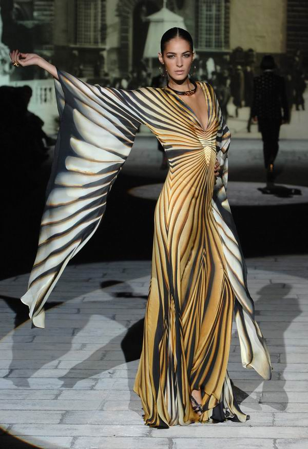 628 Modni vremeplov: Cavalli haljine