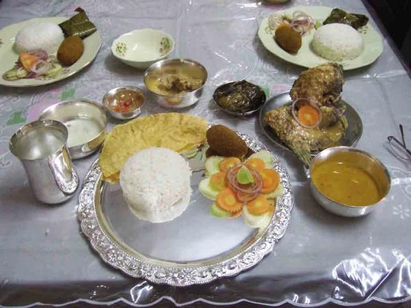 Bengali Food Klopajmo na ulici: Gurmanska poezija Kolkate