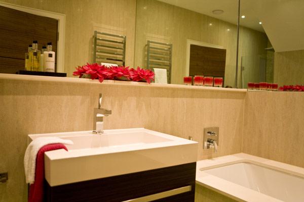 Hill View Bathroom II 2 Blanca Sanchez: Kupatila koja će vas opčiniti