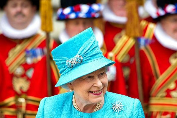 Kraljicin 85 rodjendan slika LA Tajms Stil moćnih ljudi: 60. dijamantski jubilej   bakuta je neuništiva