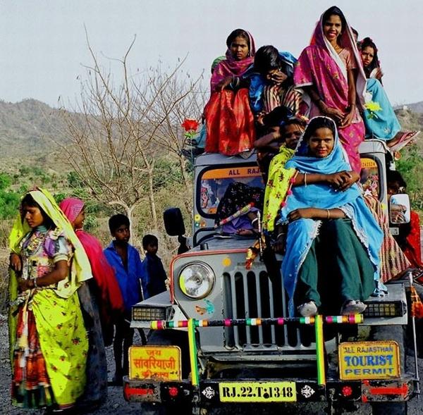 Overloaded Jeep by Womens Funny 200km/h: U četvrtoj