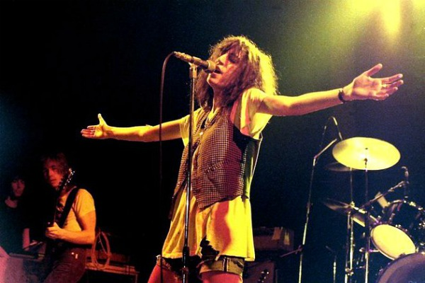 Patti Smith Muzičke vesti: Comfortably Numb