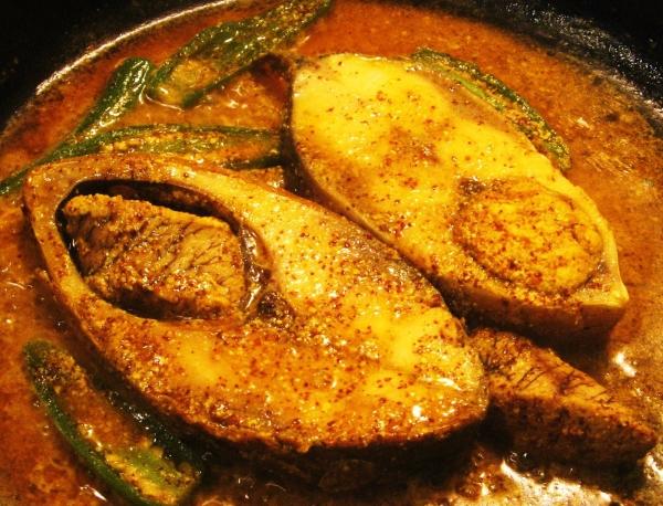 Shorshe Illish bengali kolkata cuisine Klopajmo na ulici: Gurmanska poezija Kolkate