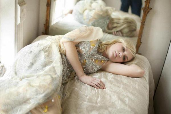 Slika 18 Rodarte: Kirsten Dunst u čeljustima mode