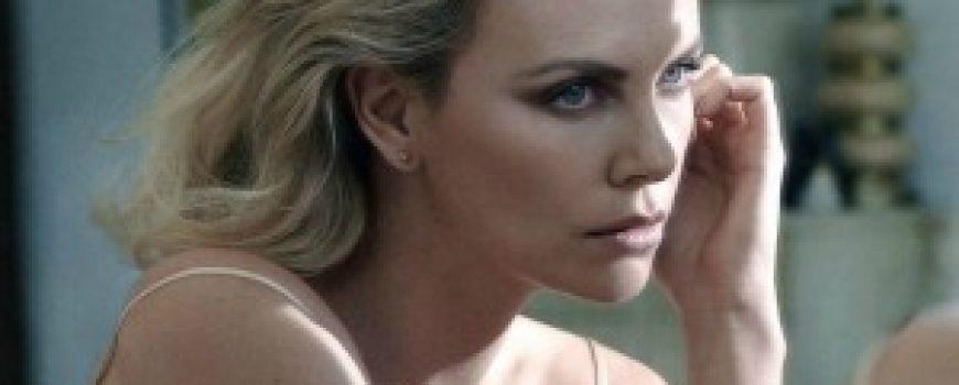 "Heroina lepote: Charlize Theron za francuski ""Elle"""