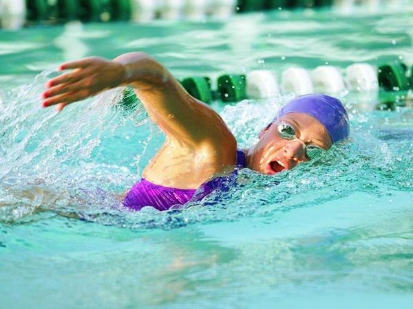 female swimmer going hard Kad se otrezniš i staneš na vagu