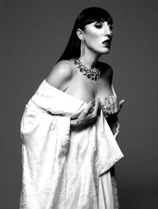 harpersbazaarespanacalendar20125 Harpers Bazaar España: Dvanaest modnih priča