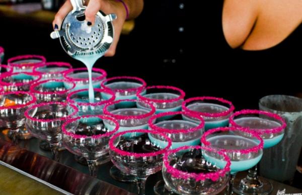 kada kazemo izlazak pomislimo na alkohol Top 10: Stvari bez kojih ne možemo