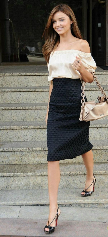 miranda kerr circular sydney 01 Street Style: Miranda Kerr