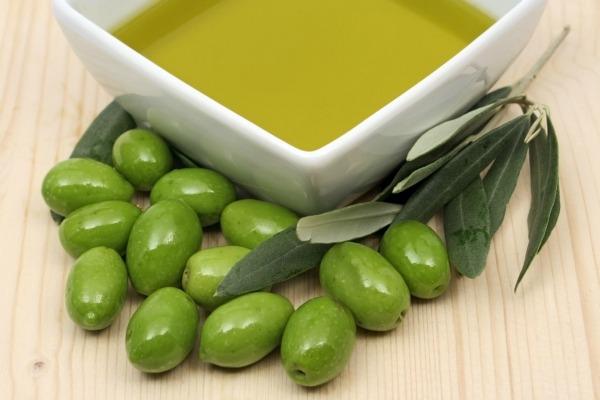 olive oil picnik Male kućne čarolije: Nega kose (1.deo)