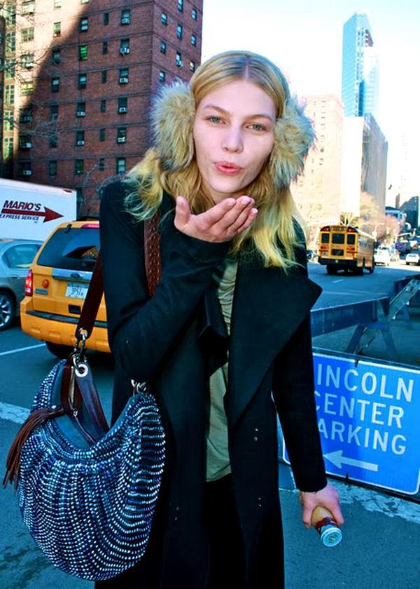 slika 10 Street Style: Aline Weber