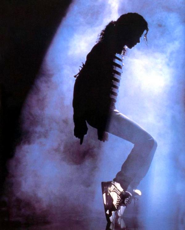 slika 3 Odavanje počasti pokojnom kralju popa
