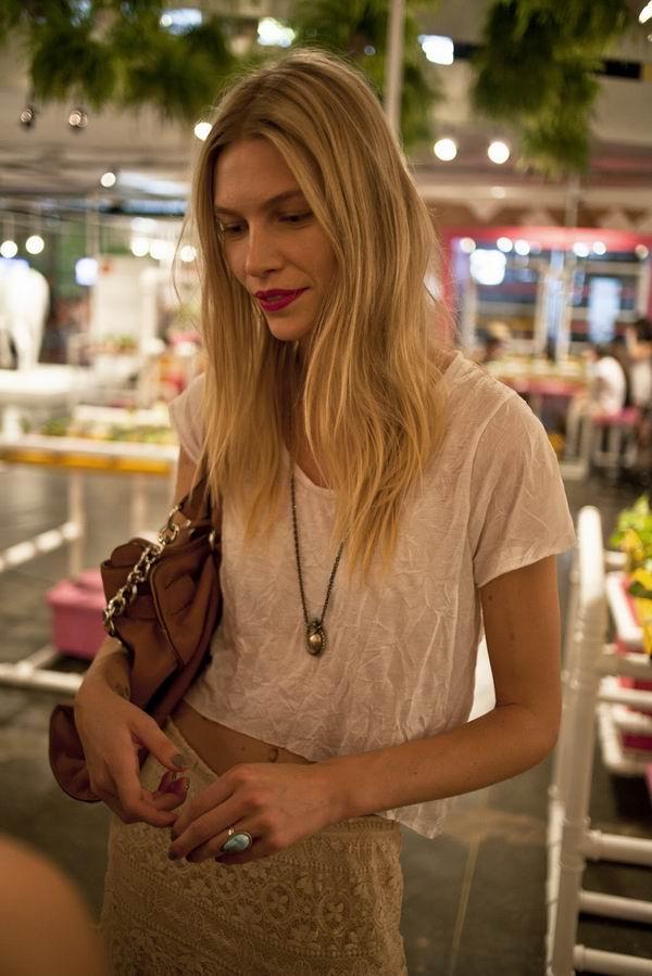 slika 8 Street Style: Aline Weber