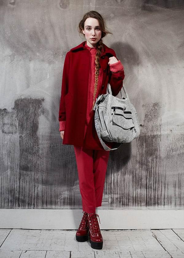 slika 85 Urban Outfitters: Crvena je boja ove zime