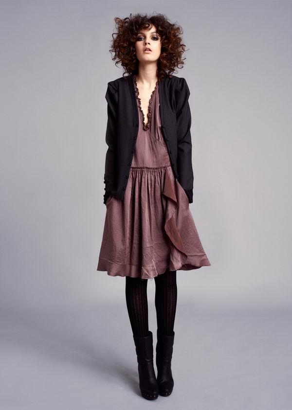 537 Stella Nova: Romantične haljine i topli džemperi